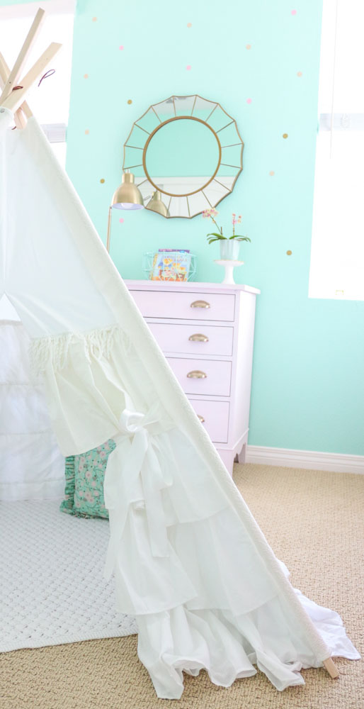 white-ruffle-teepee-whimsical-girls-bedroom-vintage-teepee-1111-light-lane-1-of-1