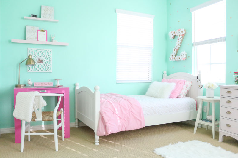 pink-desk-girls-shared-bedroom-1111-light-lane-1-of-1