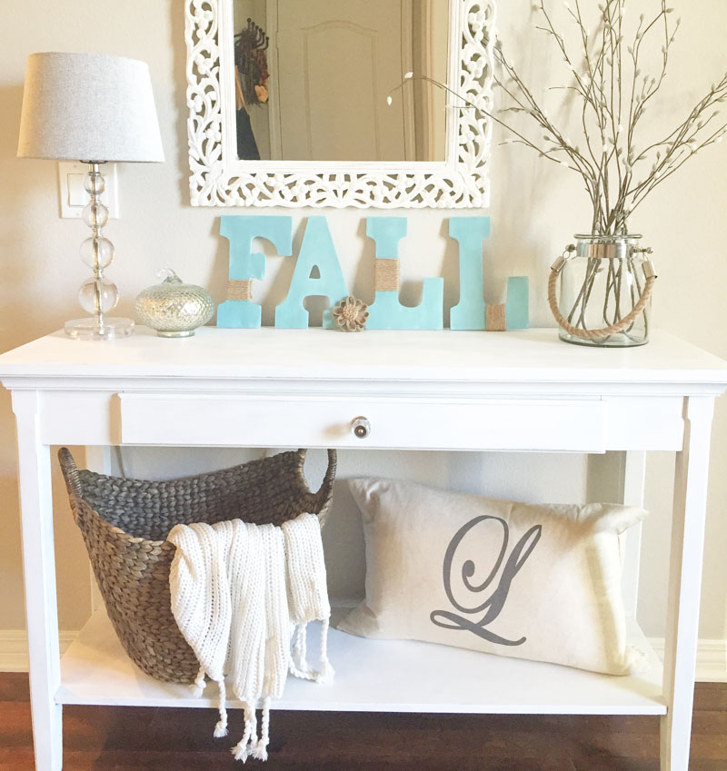 What Is Included In The Decorate With Light Tote
