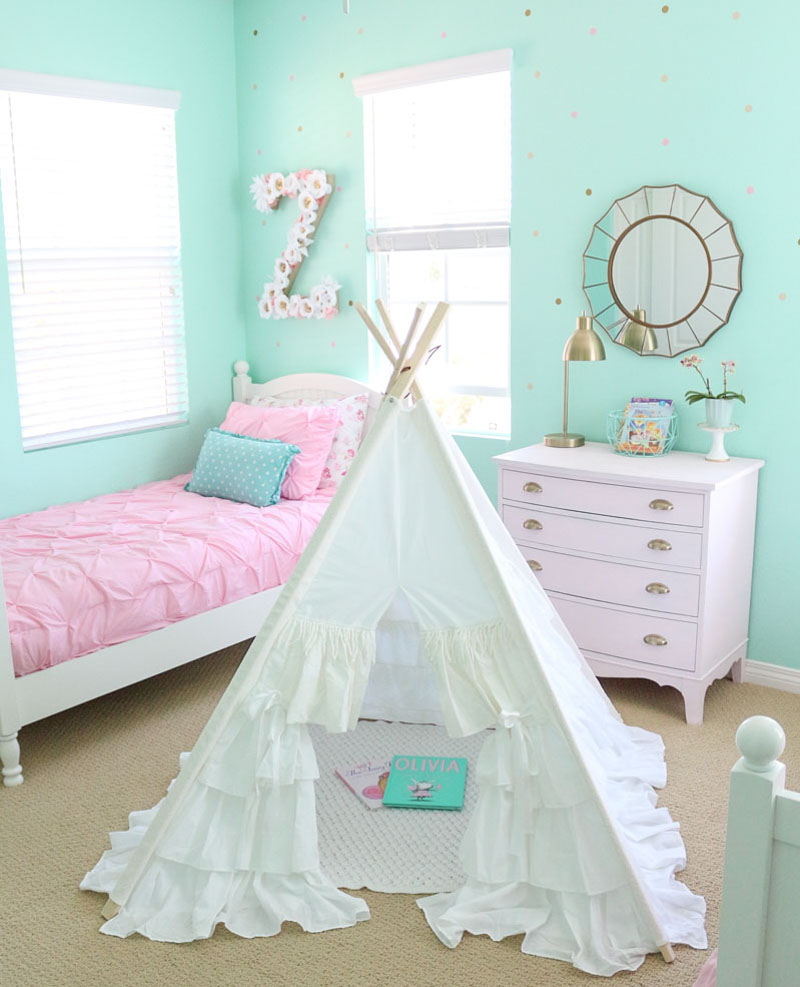 white-ruffle-teepee-whimsical-girls-bedroom-vintage-teepee-girly-teepee-cover-photo-1111-light-lane-1-of-1