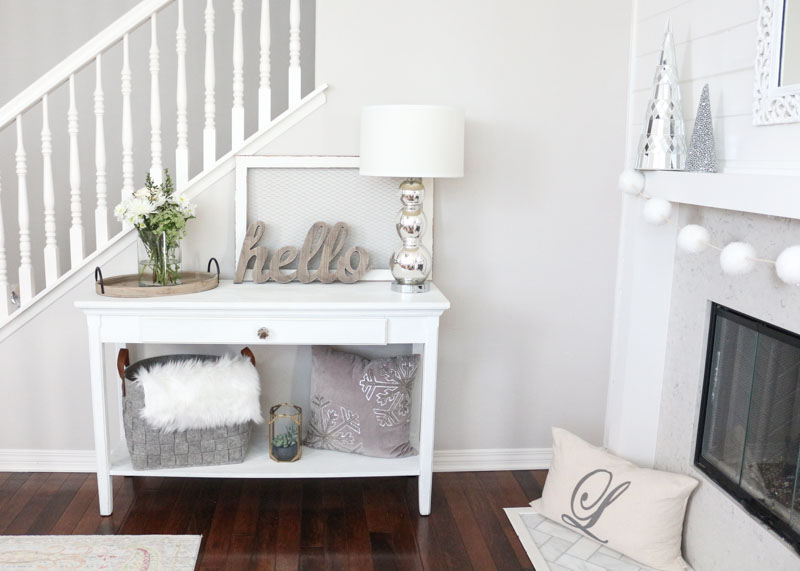 cozy-winter-decor-white-winter-decor-1111-light-lane-1-of-1