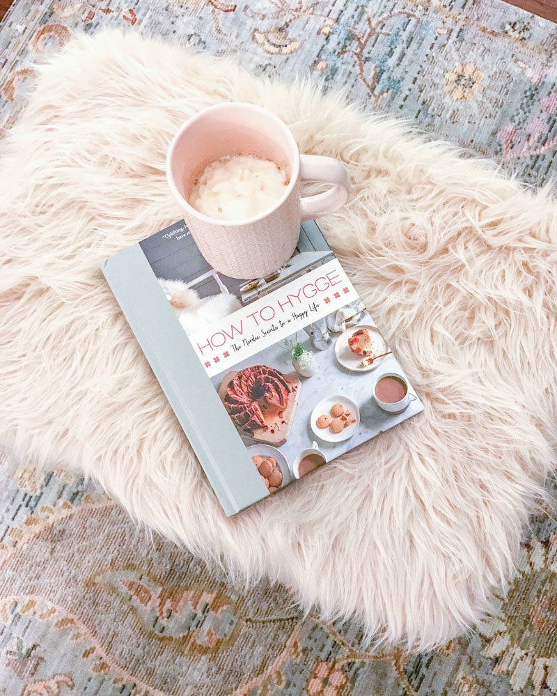how-to-hygge-home-pink-fur-stool-1111-lightlane (1 of 1)