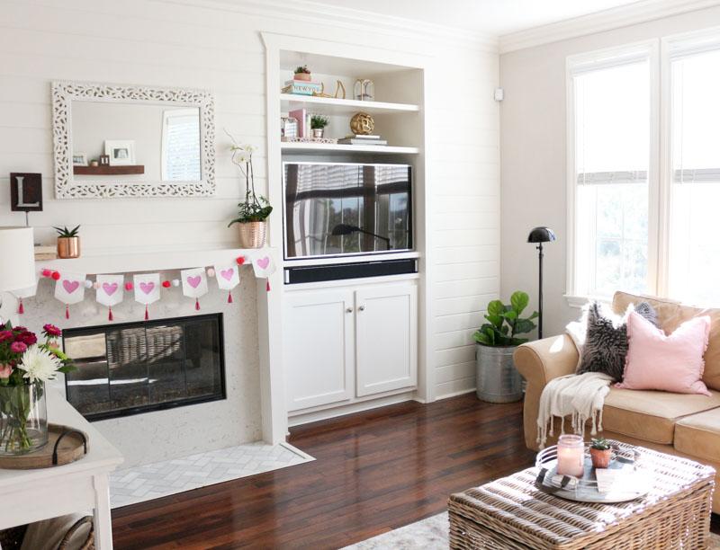 modern-simple-valentines-decor-1111lightlane (1 of 1)
