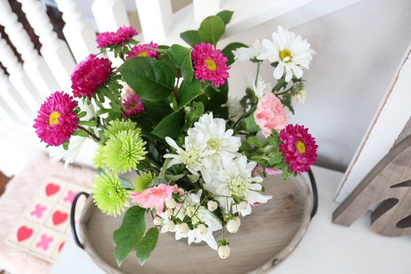 modern-simple-valentines-flowers-decor-1111lightlane (1 of 1)