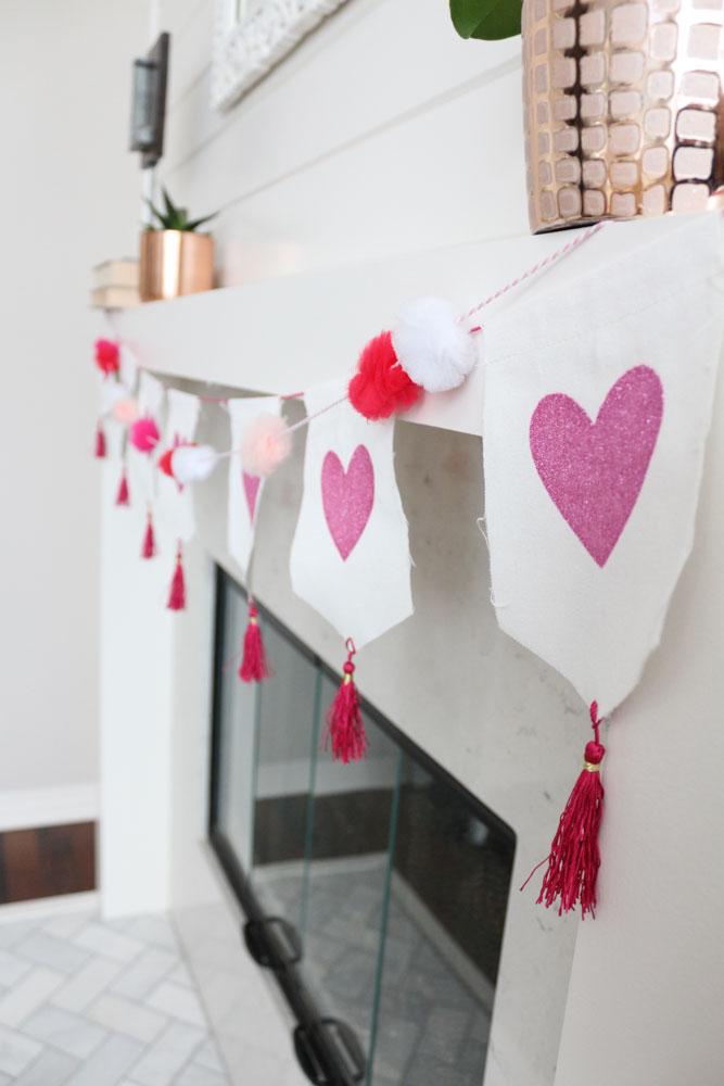 modern-simple-valentines-mantel-decor-1-1111lightlane (1 of 1)