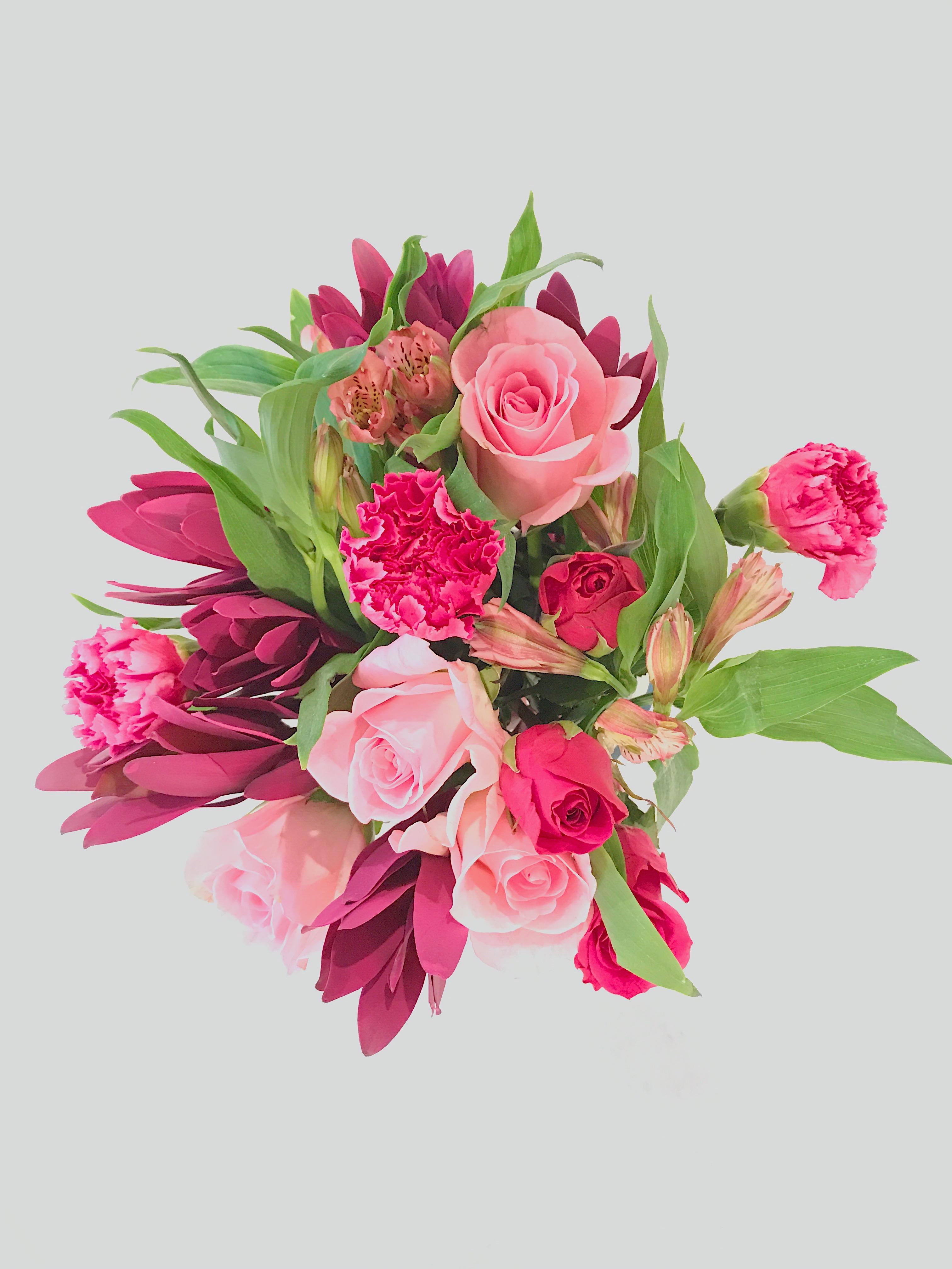 valentines-flowers-birthday-flowers-1111lightlane