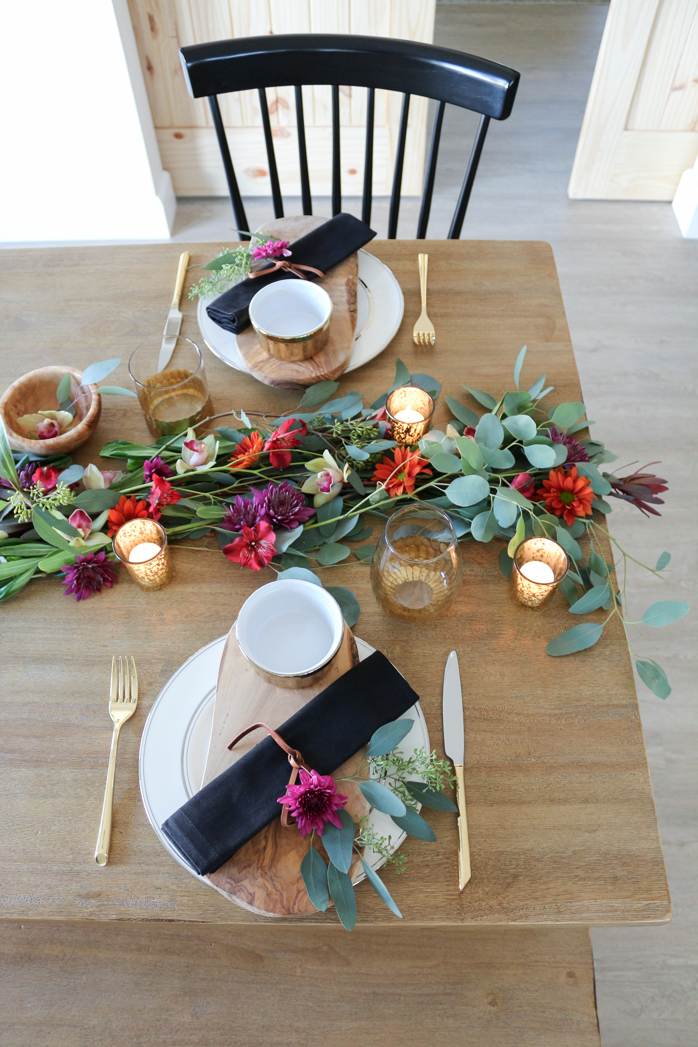 Eucalyptus and Flower Garland Holiday Tablescape
