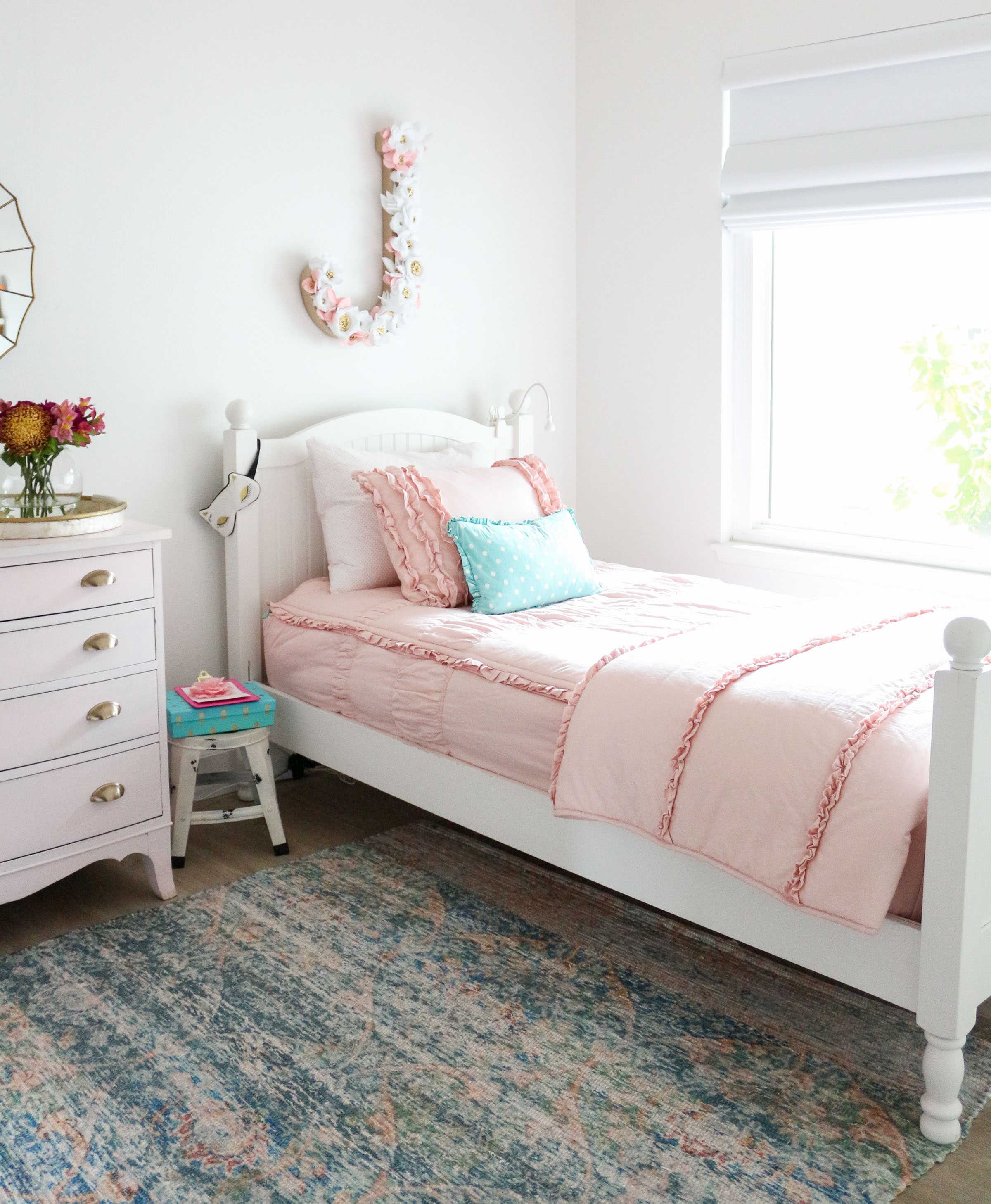 Girls shared bedroom why we love our blush pink ruffle bedding from beddy 39 s - Pink and white teenage room ...