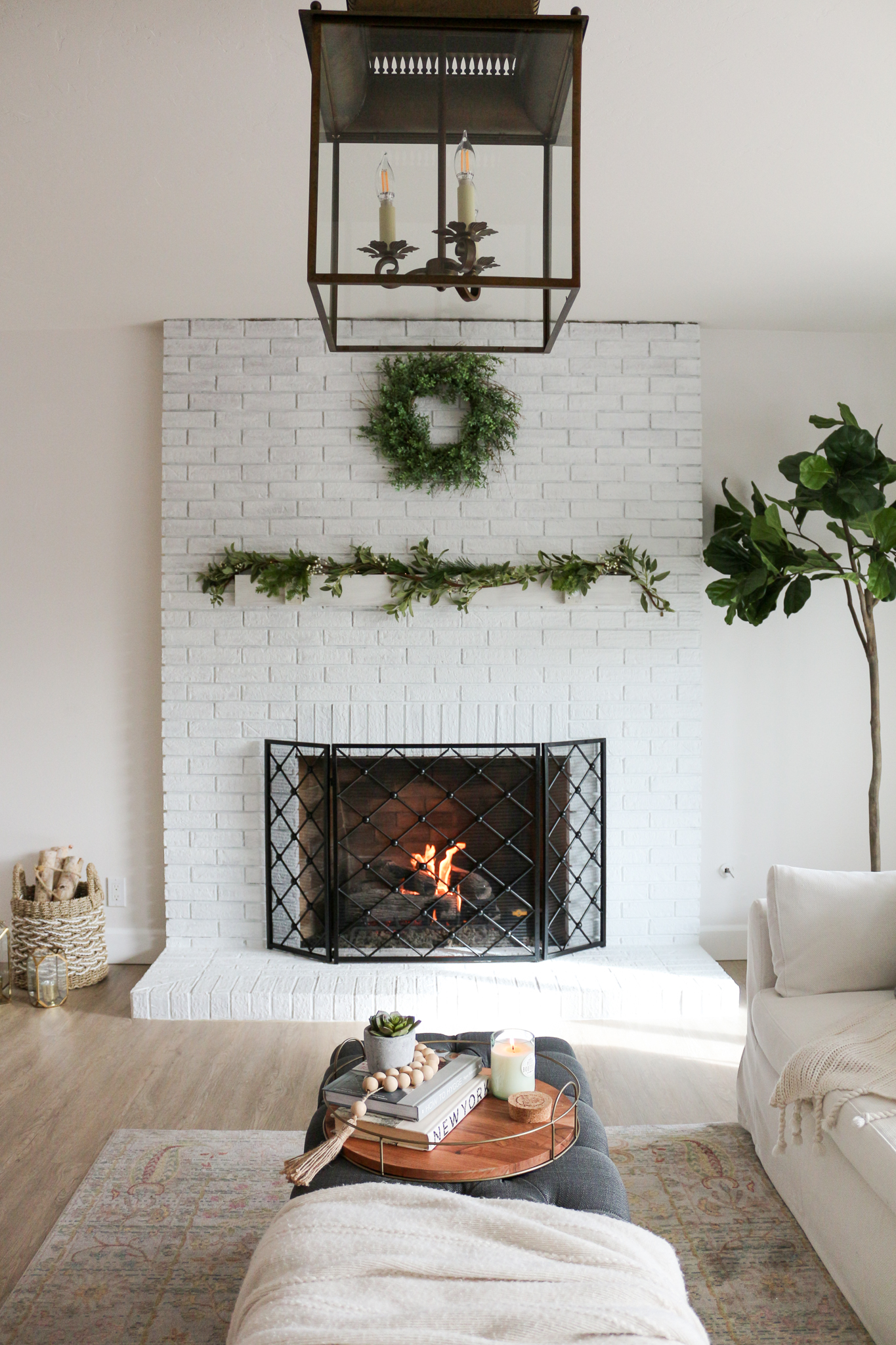 Cozy hygge modern farmhouse style living room for Modern farmhouse fireplace
